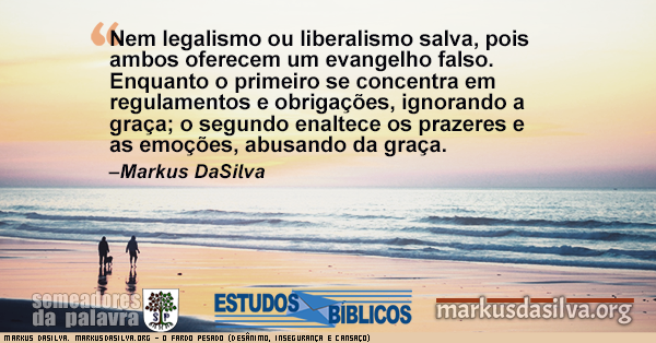 Casal andando com um cachorro na praia de manha com texto sobre o artigo: Estudo Bíblico O Fardo Pesado (Desânimo, Insegurança e Cansaço). Markus DaSilva