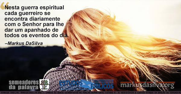Foto de uma moca loira caminhando contra o vento Estudo Biblico Serie: Combatendo as Forças Espirituais. Estudo Nº 9: Resistência e Contra-ataque (A Oração de Consagração) Markus DaSilva